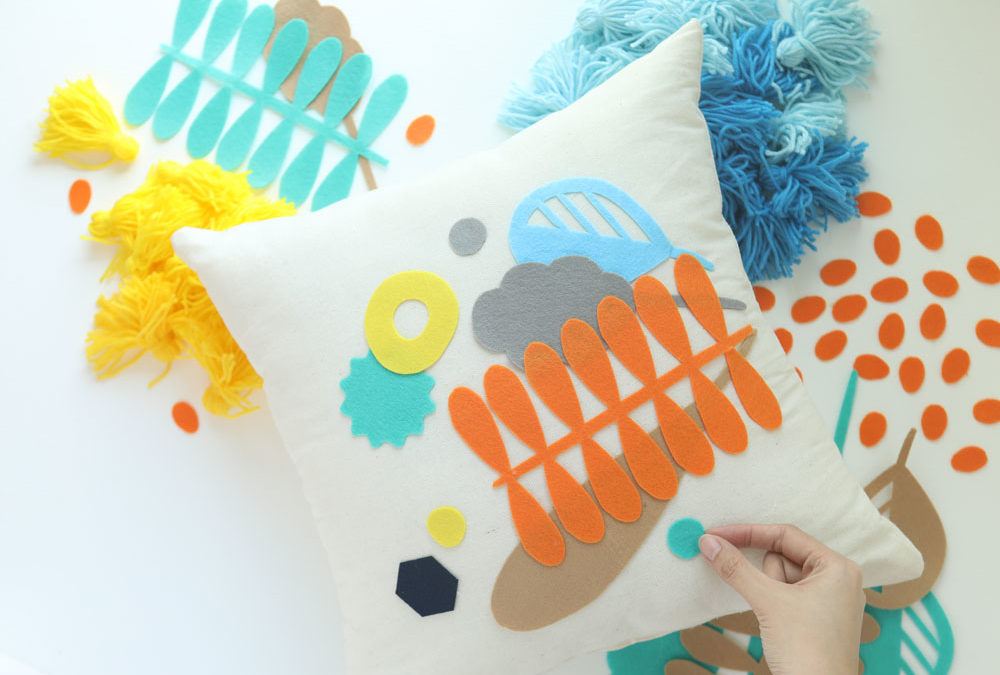 Cricut Project: DIY Felt Cutouts on Canvas Pillows